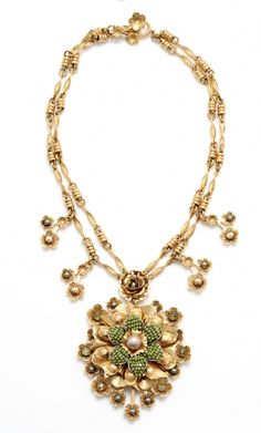 Miriam Haskell Gold Pendant Necklace - on my want list!