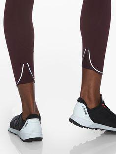 Run Free 7/8 Tight | Athleta Womens Workout Outfits, Sporty Outfits, Running Leggings, Sports Leggings, Sport Fashion, Fitness Fashion, Fashion Design Portfolio, Bike Style, Sports Luxe