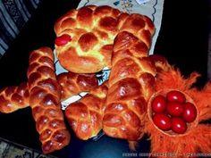 Πασχαλινά τσουρέκια How To Make Bread, Bread Making, Waffles, Sausage, French Toast, Meat, Breakfast, Food, Breakfast Cafe