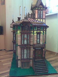 Dad gave me a similar Victorian dollhouse when I was 9. I miss it like crazy.