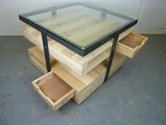 Pallet coffee table (+metal) - 1001 Pallets