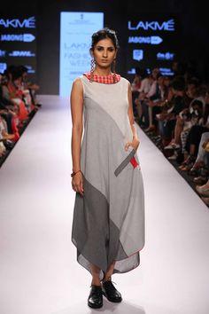 Lakmé Fashion Week – MAYANK ANAND SHRADDHA NIGAM AT LFW SR 2015