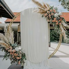 Home Discover 20 Ideas and forms of home decorations useful for modern homes pictures Rustic Wedding Backdrops Outdoor Wedding Decorations Wedding Themes Home Pictures Wedding Pictures Fall Wedding Wedding Ceremony Grass Decor Schnür Heels Golden Circle, Home Pictures, Wedding Pictures, Pampas Grass, Fresh Vegetables, Potpourri, Wedding Ceremony, Boho Wedding, Fall Wedding