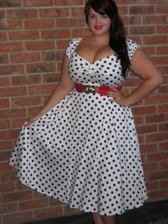 How beautiful does Georgina look in this polka dot dress?!
