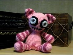 Amigurumi Patterns Net Design Contest : Glowey monster is a critter monster ive made for amigurumi design