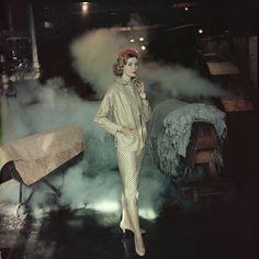 Gordon Parks,Philip Sills print suit, Hoboken, 1956