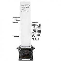 Sticker mural machine à écrire effaçable à sec et repositionnable, on range tout