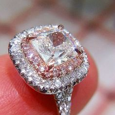 #doublehalo #pinkdiamonds and colorless with #cushioncut center