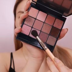 We are Wholesale Supplier Korean Cosmetics and Skincare Products. Soft Eye Makeup, Asian Eye Makeup, Eye Makeup Art, Skin Makeup, Eyeshadow Makeup, Korean Natural Makeup, Korean Makeup Tips, Make Up Tutorial Contouring, Makeup Tutorial Eyeliner