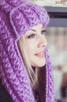 Купить или заказать Сиреневая Зима- вязаная шапка с ушками на подкладе в интернет-магазине на Ярмарке Мастеров. В наличии две шапочки- яркая сирень и сирень как на фото. Очень теплая и пушистая вязаная шапка из турецкого мохера 70% с шерстью. Рисунок- косы. Вязаная шапка подходит практически всем: детям и взрослым, с любым овалом лица. Можно носить с шубками, с курточкам и даже с дубленками. Вязаная шапка с ушками на полушерстяном подкладе, связанном на машинке из полушерстяной детской…