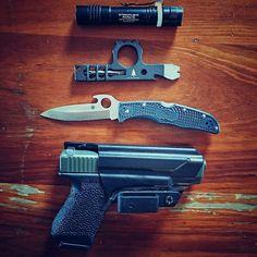This mornings line up.  #WiseMen #wiseguy #glock #glock19 #spyderco #2a #edc #edcgear #everydaycarry #gunlife #pocketdump #igmilitia #pewpew #gear #comeandtakeit #freedom #prepper #knivesdaily #pockettools #multitool #guns #dtom #survival #prepared #gunsofig #gunaddict #igshooters #gunvids #America