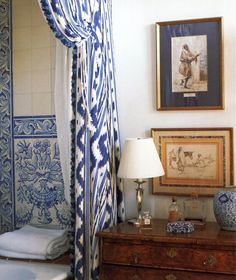 {Alex Hitz via House Beautiful} I have several favorite elements of design– chief among them: beautiful fabrics and textiles. One of my favorites is Pierre Frey's Toiles de Nantes. Blue Tiles, White Tiles, Interior Exterior, Interior Design, French Interior, Modern Interior, Pierre Frey Fabric, Delft, White Decor