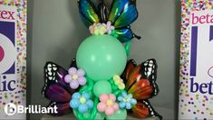 This beautiful organic balloon design is perfect to usher in Spring. Learn how to make your perfect balloon decor by attending s balloon decorating class with Balloon Class Decorating. We also have online balloon tutorials.