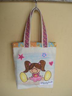 https://flic.kr/p/bo8ZQZ   Tote Bag - Bolsa 0003 - E   Tote bag confeccionada em Lona e forrada com tecido 100% algodão . Pintada. Medidas: 26x27x5 cm