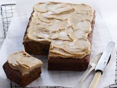 Sticky date slice is part of Slices recipes - Slathered with thick and sweet caramel icing, this cinnamon and ginger spiced sticky date slice by Woman's Day is a rich and delicious afternoon treat to be savoured slowly Baking Recipes, Cake Recipes, Dessert Recipes, Tray Bake Recipes, Thermomix Desserts, Date Slice, Caramel Icing, Biscuits, Let Them Eat Cake