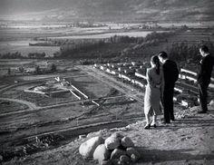 Construcción del observatorio en cerro Calán, 1956 - Observ. Astronómico Nacional (1849) - Territorio » | Lugares de Ciencia Railroad Tracks, Mercedes Benz, Tours, Travelling, Vintage, Random, Santiago, Train Tracks