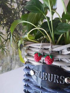 MOONQING Collier Tour de cou Fleur Boh/ème Vintage Multicouche Perles Tassel Chain Crescent Moon Pendentif Collier