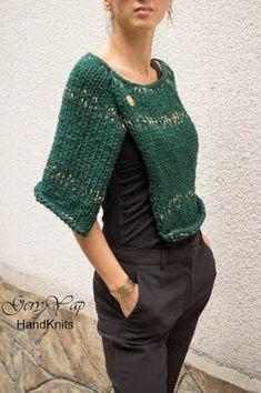 Women& wool acrylic poncho shrug hand knit cape dark green with golden threads chunky knit poncho sweater hand made Poncho Cape, Poncho Pullover, Wool Poncho, Poncho Sweater, Knitted Cape, Ladies Poncho, Knit Wrap, Hand Knitting, Knit Crochet