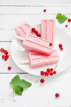 Johannisbeer-Joghurt-Eis | http://eatsmarter.de/rezepte/johannisbeer-joghurt-eis
