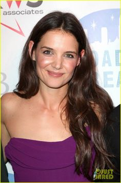 Katie Holmes. Maybe Toned Winter. Sagittarius. AS: 22°19' Léo. Moon: 17°12' Léo. Jupiter 8°11' Я Leo. Venus 14°38' Scorpio. Moon conjunct Ascendant (Cancer influence). Dragon's head in Virgo.