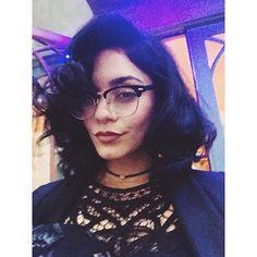 Hot rollers got me feelin ma self  | Vanessa Hudgens