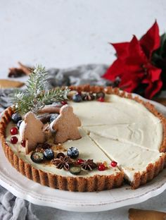 Simple cheesecake with Christmas touch. Christmas Sweets, Christmas Baking, Christmas Cakes, Xmas, No Bake Desserts, Easy Desserts, Something Sweet, Cake Cookies, Smoothie Recipes