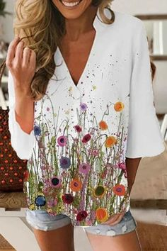 V-neck 3/4 Sleeves Floral Print Paneled Casual T-shirt - Diorer Shirts & Tops, Casual T Shirts, Long Shirts, Printed Blouse, Printed Cotton, Half Sleeves, Types Of Sleeves, Camisa Floral, Shirt Bluse