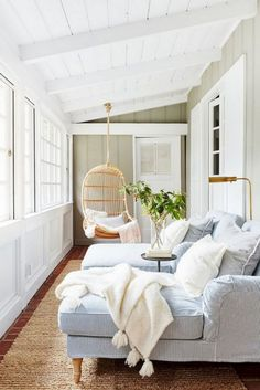 Surf images of sunroom styles and decoration. Discover ideas for your four periods room addition, consisting of ideas for sunroom decorating and also layouts. Small Sunroom, Sunroom Furniture, Luxury Furniture, Furniture Ideas, Sunroom Decorating, Sunroom Ideas, Sunroom Diy, Sunroom Office, Porch Ideas