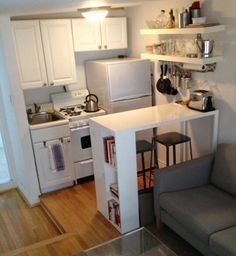 10 Agreeable Cool Ideas: Apartment Kitchen Remodel Rugs tiny kitchen remodel on a budget.Kitchen Remodel Tips Renovation kitchen remodel butcher block island. Small Apartment Kitchen, Apartment Living, Apartment Therapy, Kitchen Small, Small Kitchens, Country Kitchen, Ranch Kitchen, Living Room Kitchen Combo Small, Colonial Kitchen