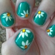 Daisy - from the It's So Easy Nail Art Gallery