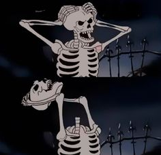 When you're so mad you wanna rip your own head off to throw it at someone : reactionpics Spooky Scary, Creepy, Skeleton Art, Arte Obscura, Cartoon Profile Pictures, Arte Horror, Vintage Cartoon, Skull Art, Aesthetic Art
