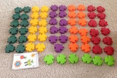 LOT of 65 HEXIE SNAPS Popular Playthings w/ design charts Imagination Creativity