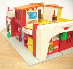 Fisher Price: Vintage Village Set Complete by toysofthepast Jouets Fisher Price, Fisher Price Toys, Vintage Fisher Price, Retro Toys, Vintage Toys, Little Tykes, Old School Toys, Door Stopper, My Childhood Memories