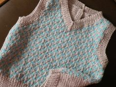 Phildar 093/30 retro inspired sleeveless baby pullover