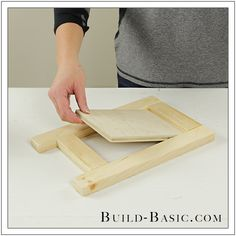 DIY Tabletop Easel by Build Basic - Step 4