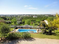 www.facebook.com/PauloBaptistaERA  Excellent 3 bedrooms Villa in optimal conditions. Pool, BBQ and panoramic views. Three suites, fireplace, central heating. $480000 (please read €uros)