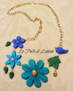 collana con fiori in pasta polimerica