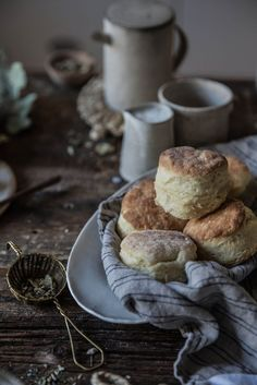 Flaky + Fluffy Buttermilk Biscuits From Scratch // Local Milk Yummy Recipes, Cooking Recipes, Yummy Food, Recipes Dinner, Bread Recipes, Homemade Biscuits Recipe, Biscuit Recipe, Biscuits From Scratch, My Favorite Food