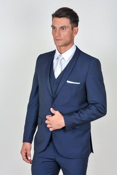 Γαμπριάτικα κοστούμια Davvero Fashion Suits, Mens Fashion, Suit Jacket, Breast, Jackets, Clothes, Moda Masculina, Down Jackets, Outfits