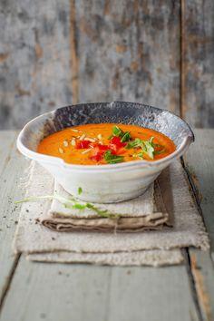"""Was für eine Freude! Wir haben die Ehre, Sebastians unglaublich schmackhafte Suppe aus dem Buch """"FitMix"""" bei uns vorstellen zu dürfen. Der Röstgeschmack macht die Suppe so unverwechselbar im Aroma,..."""