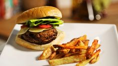Operation Transformation 2016 - Cheeseburger and fries Burger And Fries, Mince Meat, Tray Bakes, Hamburger, Lunch, Healthy Recipes, Baking, Dinner, Ethnic Recipes