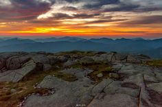 The view I was greeted with at 4:30am when I reached the summit of Algonquin Peak in Northern NY [3000x2003][OC]