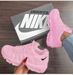 Only mine, pink tennis shoes, Nike❤️ - Sneakers Cute Nike Shoes, Cute Sneakers, Nike Air Shoes, Pink Nike Shoes, Fly Shoes, Girls Sneakers, Shoes Sneakers, Shoes Heels, Jordan Shoes Girls