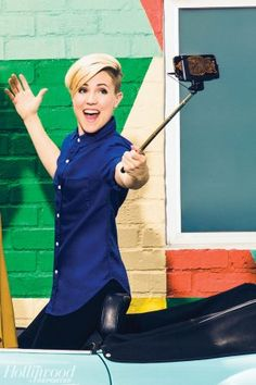 Hannah Hart Signs With Kin Community - Hollywood Reporter - Hollywood Reporter
