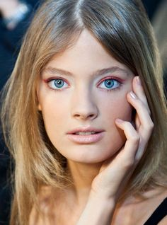 Makeup Monday: Pop Color Eye Shadow Tips  http://blog.freepeople.com/2012/04/makeup-monday-pop-color-eye-shadow-tips/