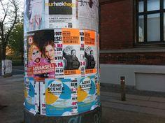 Koncertplakat med Frederik Vedersø på gaden i København #HOLDOMMIG #Posters #Street #TheEclecticMoniker