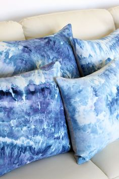 DIY Ice Dye Pillows using Procion Dye in Blueberry - Tips and Tricks for Ice Dyeing Fabric.