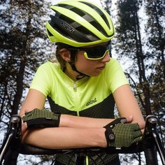 DOTOUT Get out from your day-to-day routine and loose yourself into your passion #dotout #backintwohours #llkitsandsocks #sockdoping #womenscycling #kitdoping #ridelikeagirl #kitspiration #summer #sun #summerkit #cyclingkit #cycling #mtb #wielrennen #newkitday #wymtm #fromwhereiride #fashion #style #cool #outsideisfree @dotoutsport