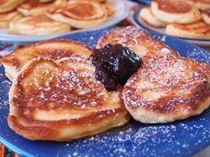 Russian pancakes: oladi, syrniki, and blini.