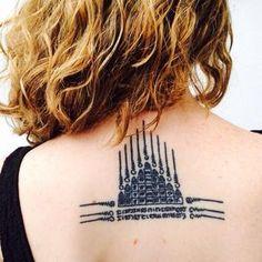 Quando decidimos fazer as nossas Sak Yant,as tatuagens sagradas budistas da Tailândia, a primeira dúvida foi: o que fazer? Isso porque cada uma tem um proteção mágica especial!